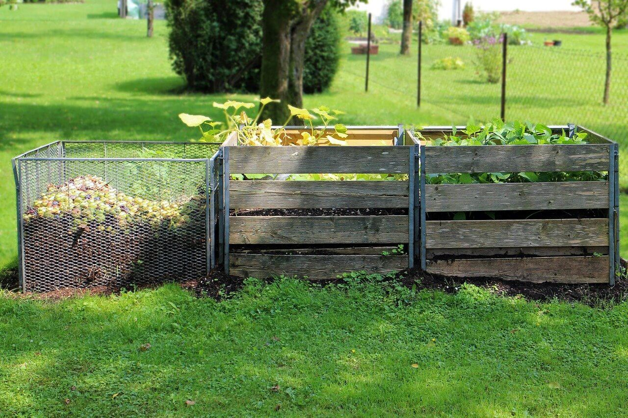 should I have 3 compost bins