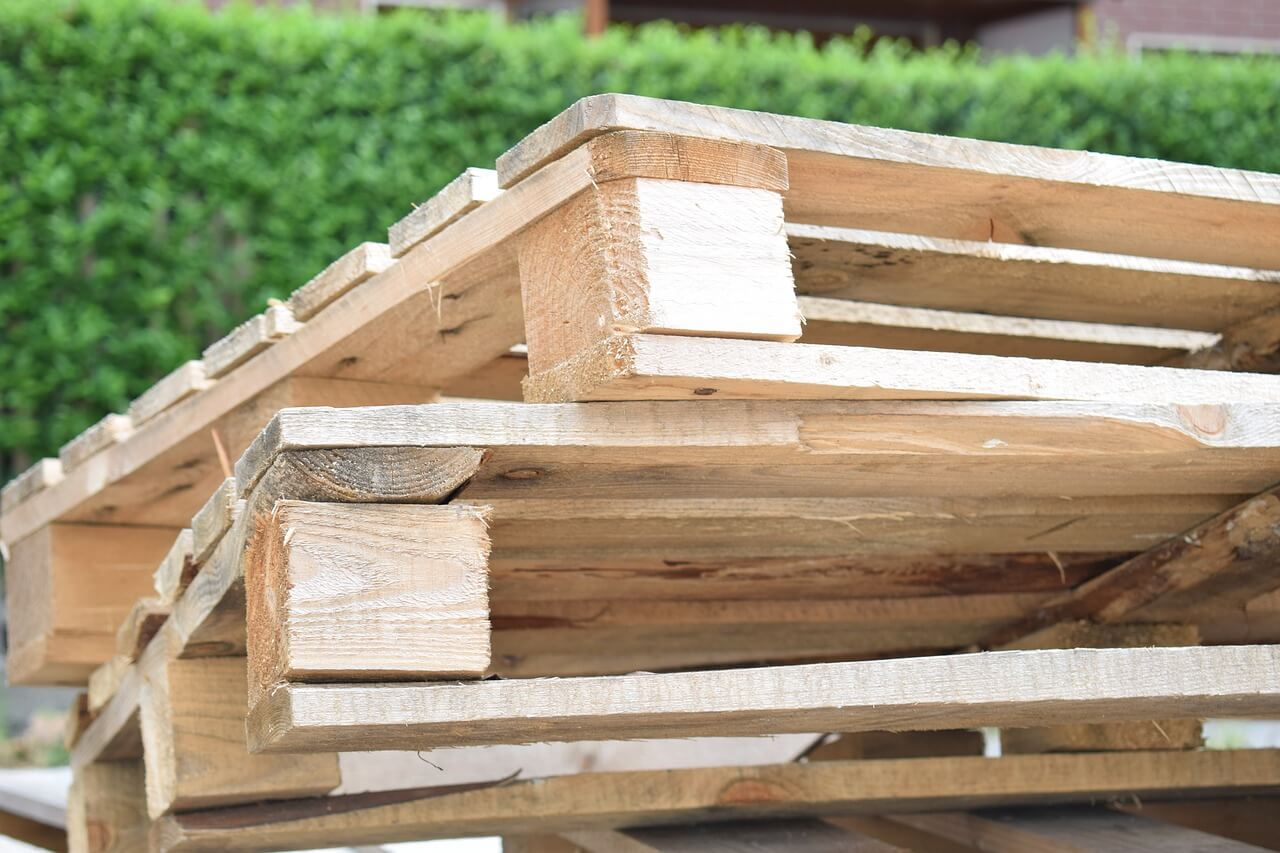 how do you dispose of wooden pallets